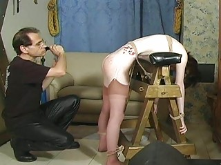 Hawt bitch receives hog tied and tit-tortured