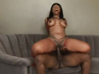 Cherokee D Ass wraps her piss flaps round a huge dick