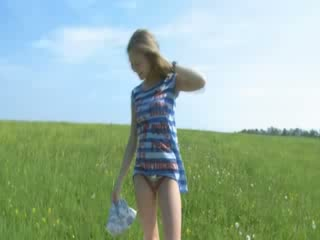 blonde making outdoor dildoing cunt