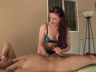 Sizzling Caroline Pierce tosses off this throbbing dick