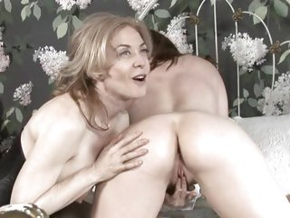 Old fashion pussy play - Nica Noelle and Nina Hartley