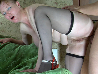 Chubby older gal widens her legs begging for cunt play and raw dicking