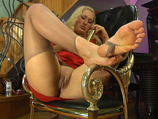 Wicked chick tearing her soft silky hose on her well-maintained feet