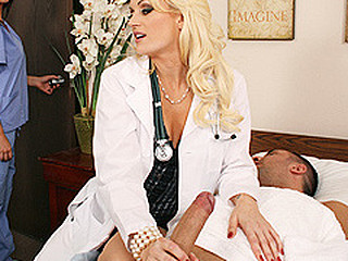 When a patient suffering from severe frostbite to his shlong lands in the E.R., Monica must performs emergency unfathomable oral resuscitation to his affected region in order to prevent amputation.