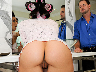 Wow! We have a fucking sexy mother i'd like to fuck on this day's recent update of Mother I'd Like To Fuck-Soup! Rachel Star is a sexy latin mother I'd like to fuck that know what that babe wants when it comes to sex. Rachel is a sex freak that will love to fuck all day each day if that babe could. This Day is her fortunate day! One of our Bangbros stud is really going to give her what this babe is in search of in advance of going out. My buddy Mirko fucked Rachel in the bawdy cleft in more ways then one. Making her moan like that babe's not ever done in advance of. So check out this amazing hardcore fuck which takes place in the baths. Enjoy!