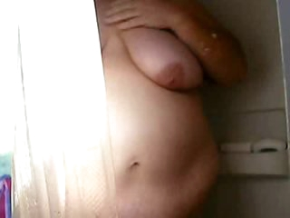 Fat amateur films her shower